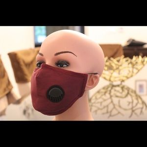 Accessories - Carbon Filtered Face Mask With 2 Filters!